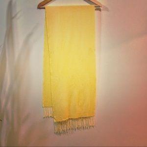 Uniqlo 100% cashmere scarf
